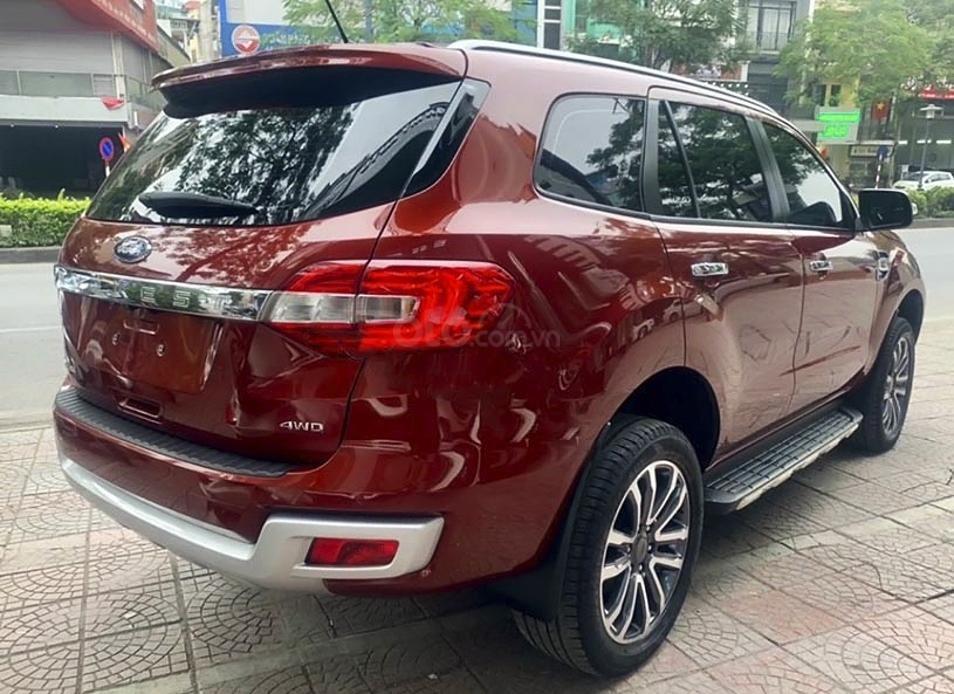 Cần bán xe Ford Everest sản xuất 2019, màu đỏ, nhập khẩu nguyên chiếc (3)