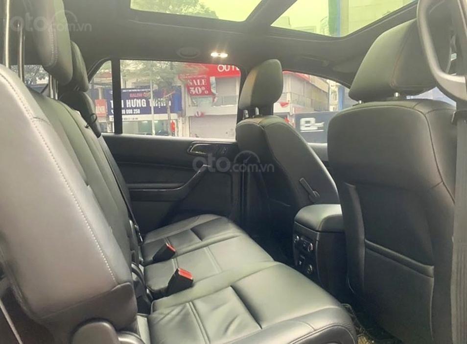 Cần bán xe Ford Everest sản xuất 2019, màu đỏ, nhập khẩu nguyên chiếc (5)