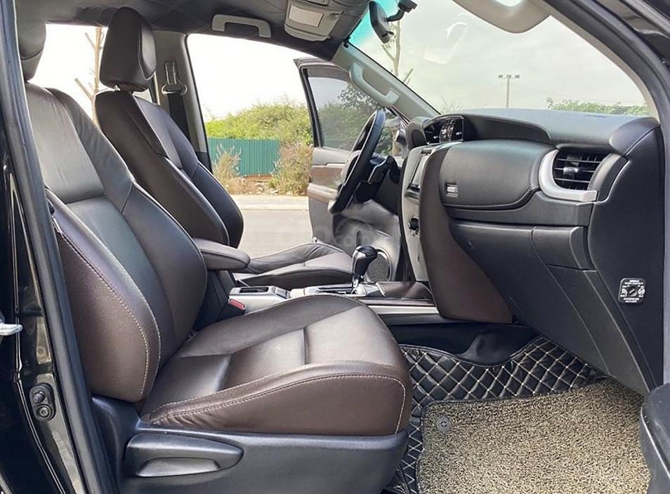 Cần bán gấp Toyota Fortuner sản xuất năm 2017, màu đen, nhập khẩu nguyên chiếc (5)