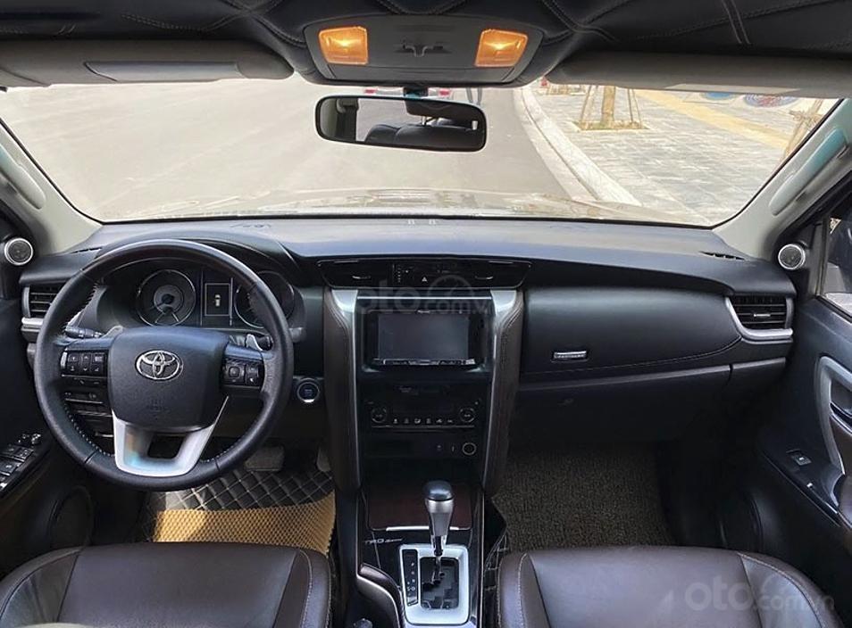Cần bán gấp Toyota Fortuner sản xuất năm 2017, màu đen, nhập khẩu nguyên chiếc (6)