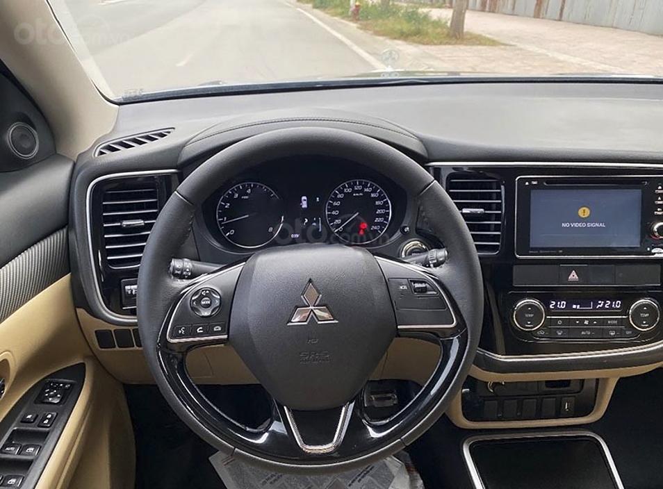 Bán ô tô Mitsubishi Outlander sản xuất năm 2018 (3)