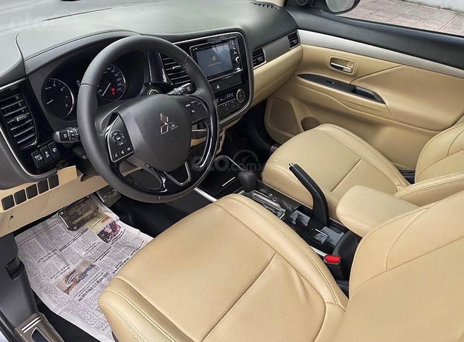 Bán ô tô Mitsubishi Outlander sản xuất năm 2018 (5)