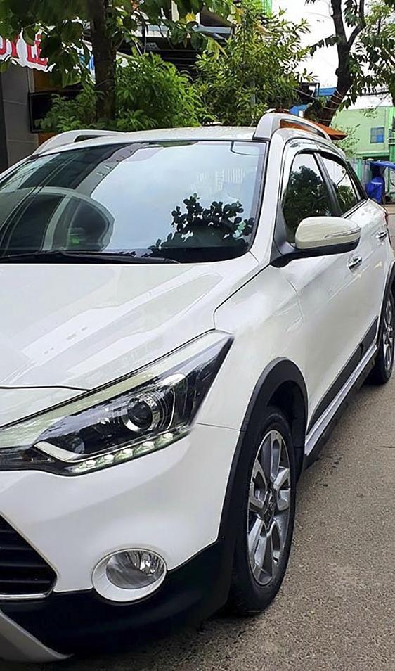 Bán Hyundai i20 Active sản xuất 2015, màu trắng, nhập khẩu nguyên chiếc (1)