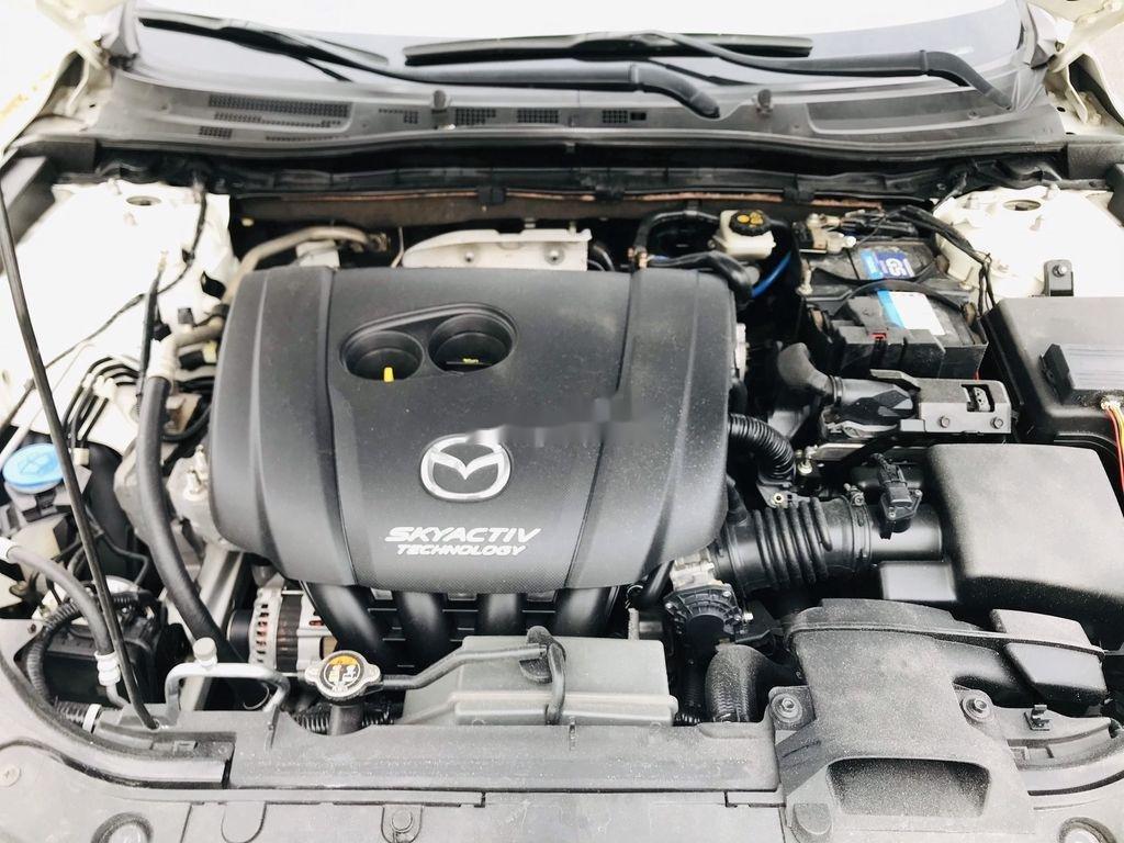 Bán Mazda 3 năm 2016, màu trắng, giá tốt (10)