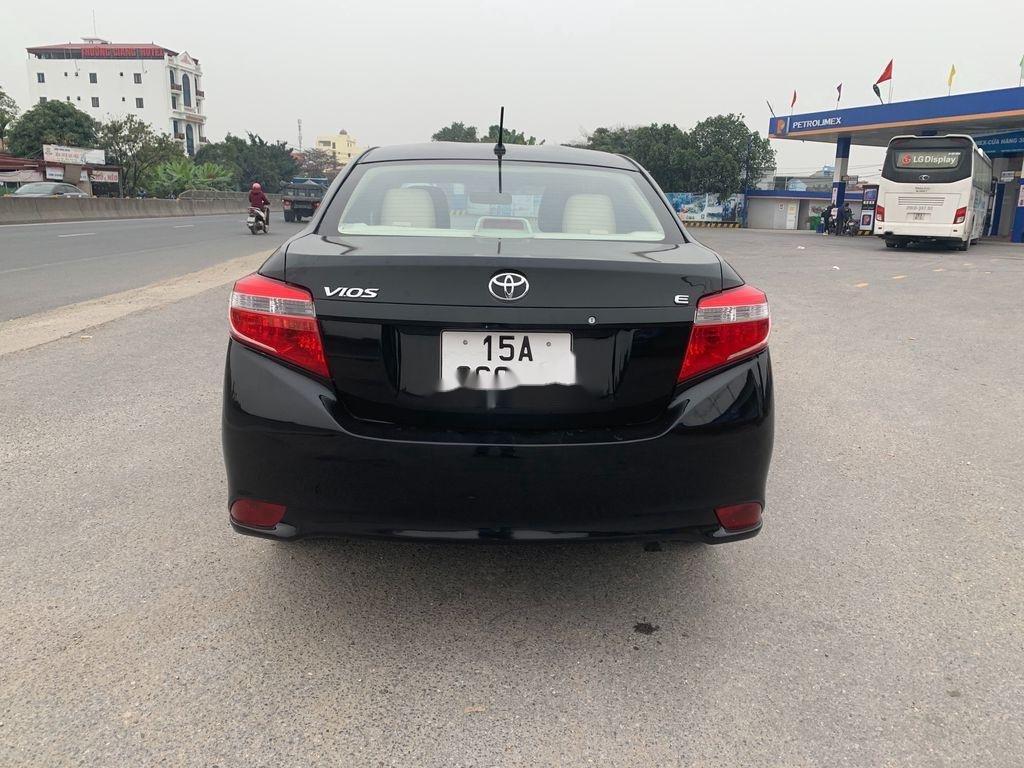 Cần bán gấp Toyota Vios 2016, màu đen, xe nhập, giá tốt (1)