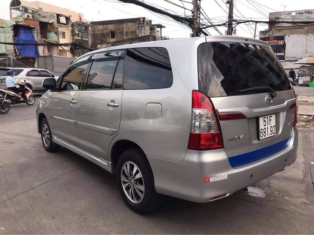 Cần bán Toyota Innova sản xuất năm 2016, màu bạc  (3)