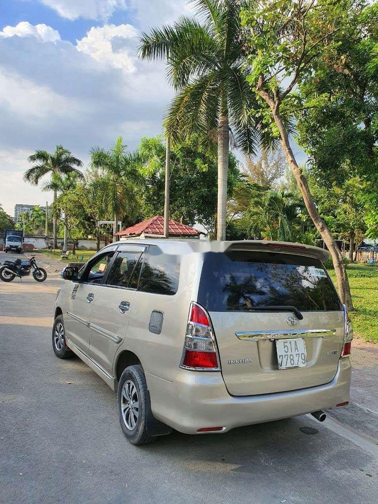 Bán Toyota Innova năm sản xuất 2014, màu vàng còn mới, giá tốt (1)