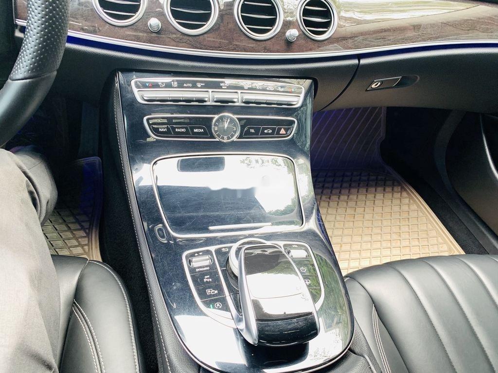 Cần bán Mercedes E250 năm sản xuất 2016, màu đen  (10)