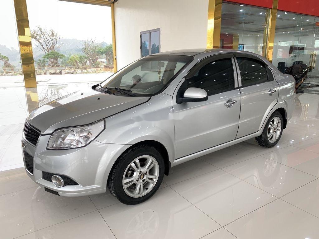 Cần bán xe Chevrolet Aveo 2014, màu bạc chính chủ, giá 235tr (3)