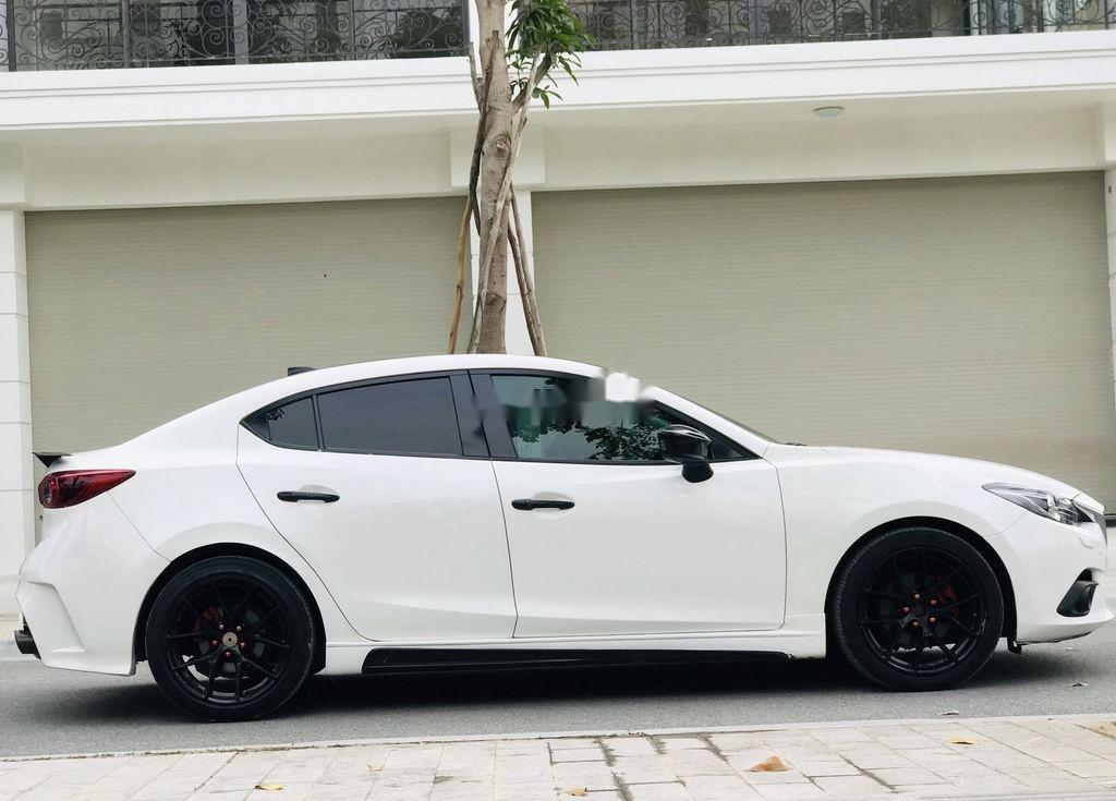 Bán Mazda 3 năm 2016, màu trắng, giá tốt (4)