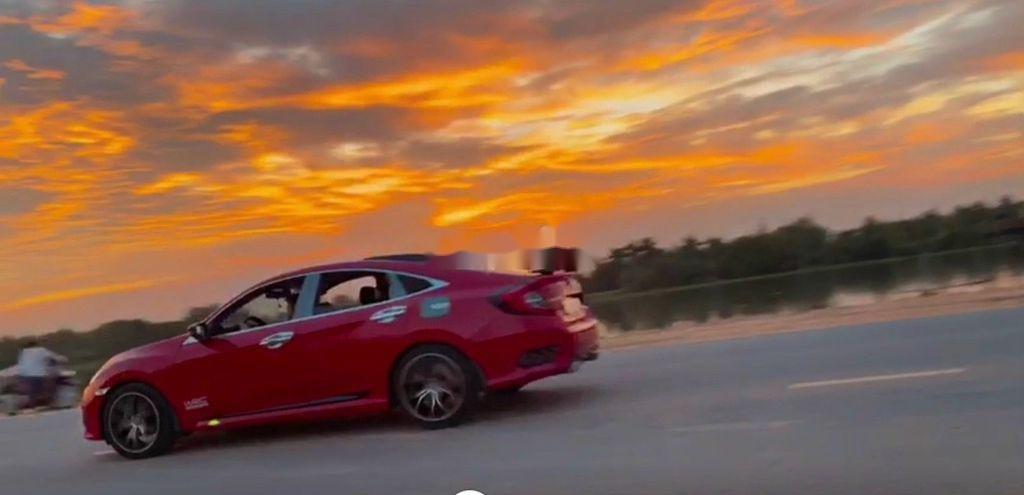 Cần bán gấp Honda Civic sản xuất năm 2018, nhập khẩu (4)