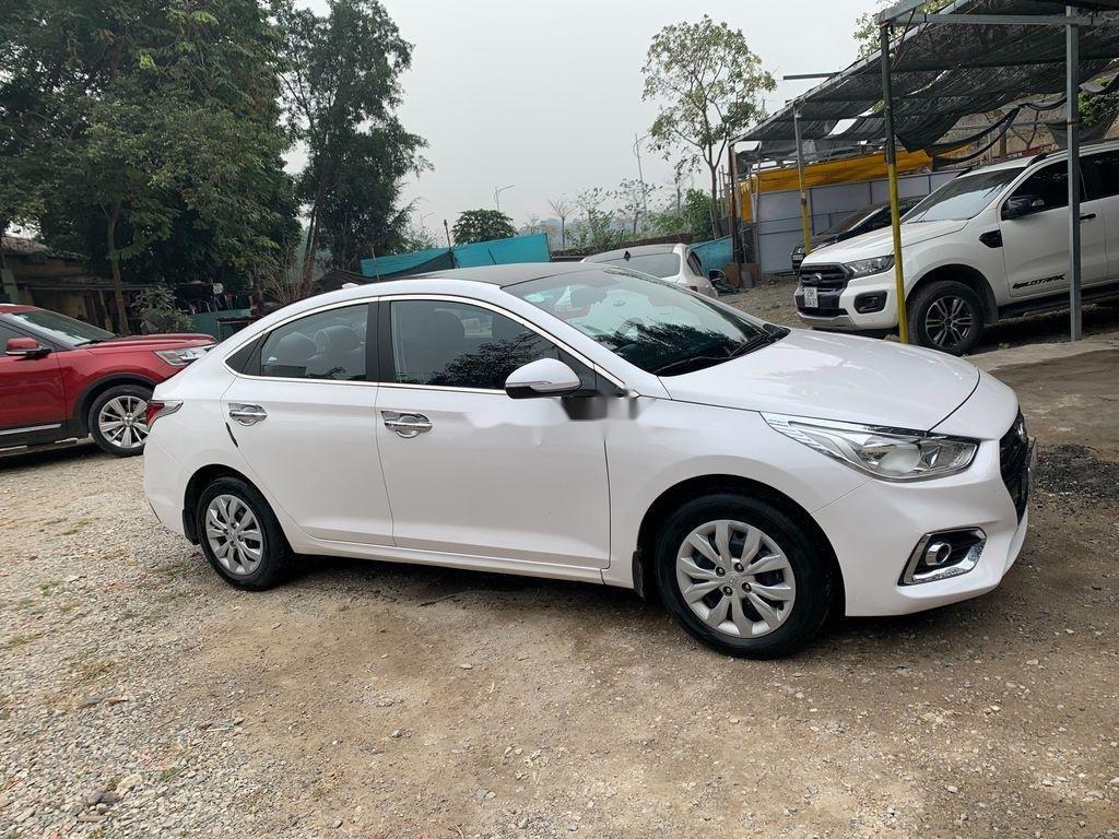 Bán Hyundai Accent sản xuất 2019, màu trắng (3)