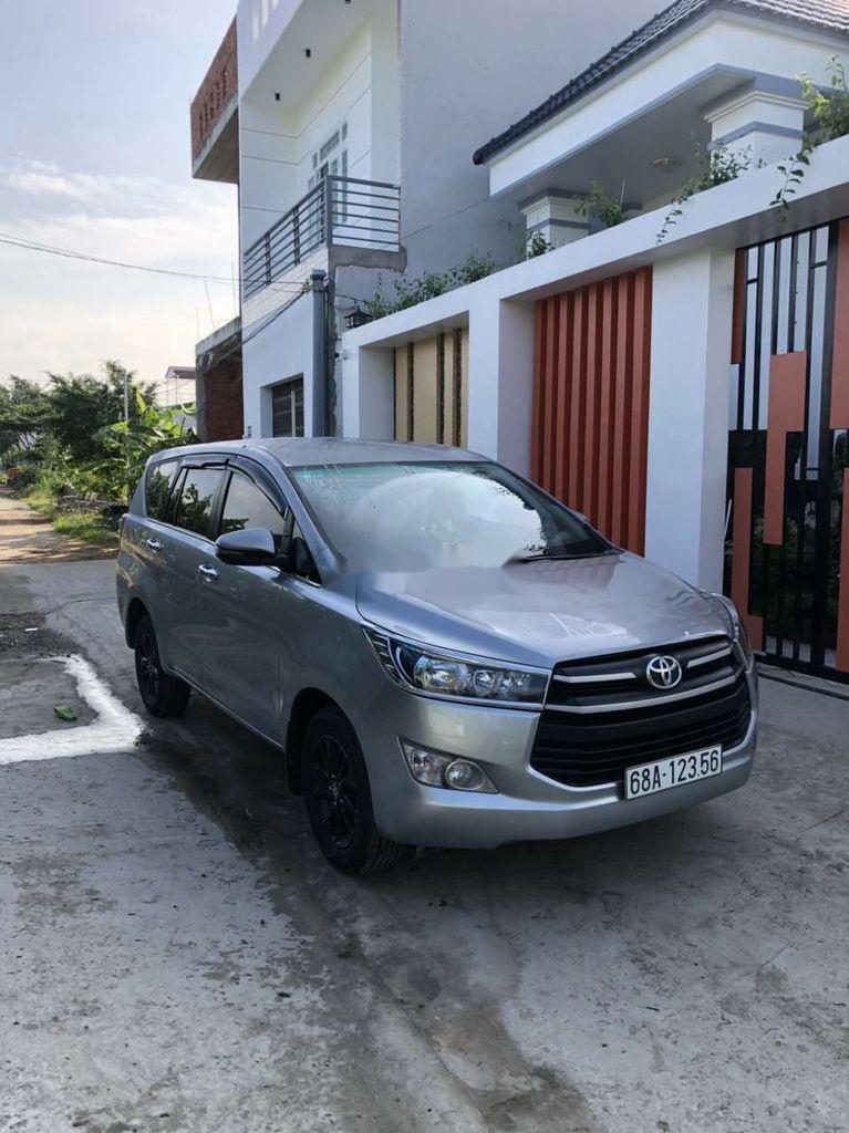 Bán Toyota Innova sản xuất năm 2019 còn mới (2)