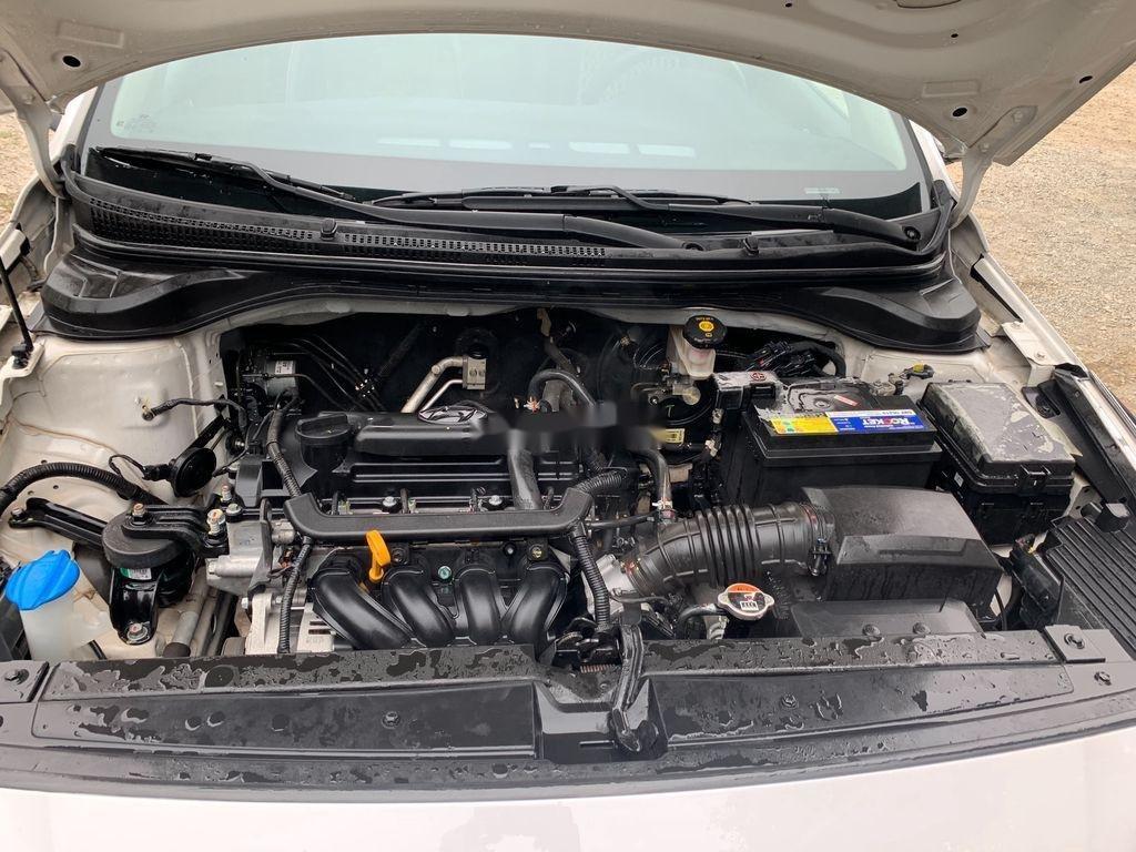 Bán Hyundai Accent sản xuất 2019, màu trắng (12)