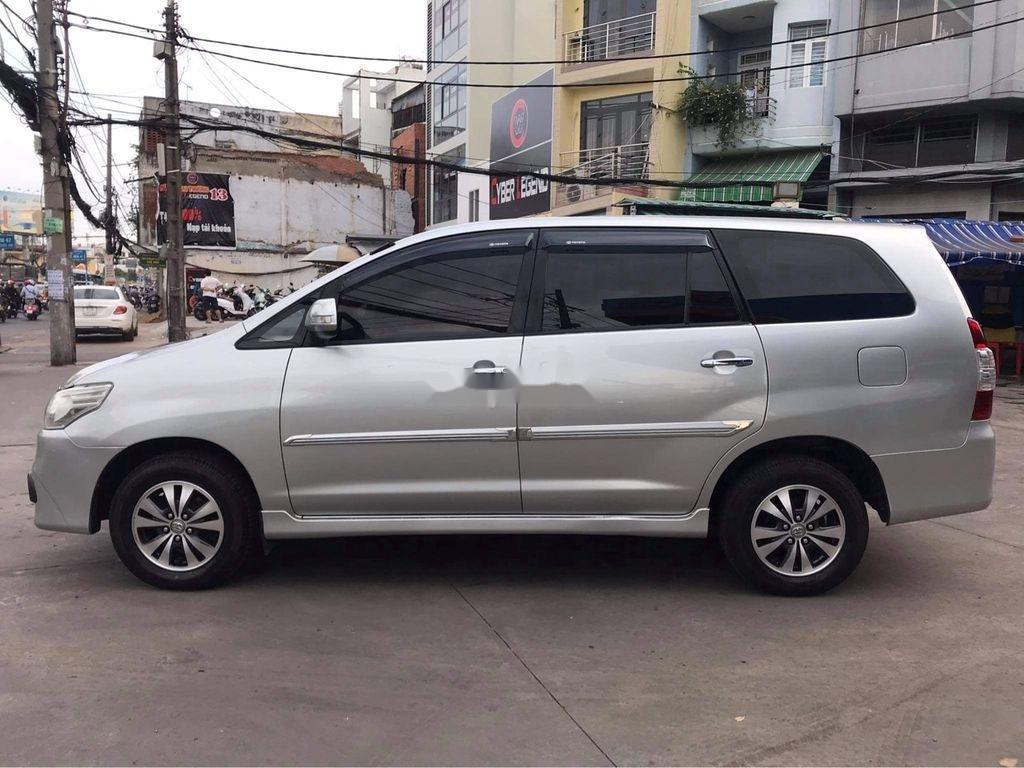Cần bán Toyota Innova sản xuất năm 2016, màu bạc  (8)