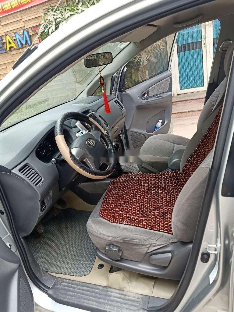 Cần bán lại xe Toyota Innova sản xuất 2013, xe một đời chủ (8)