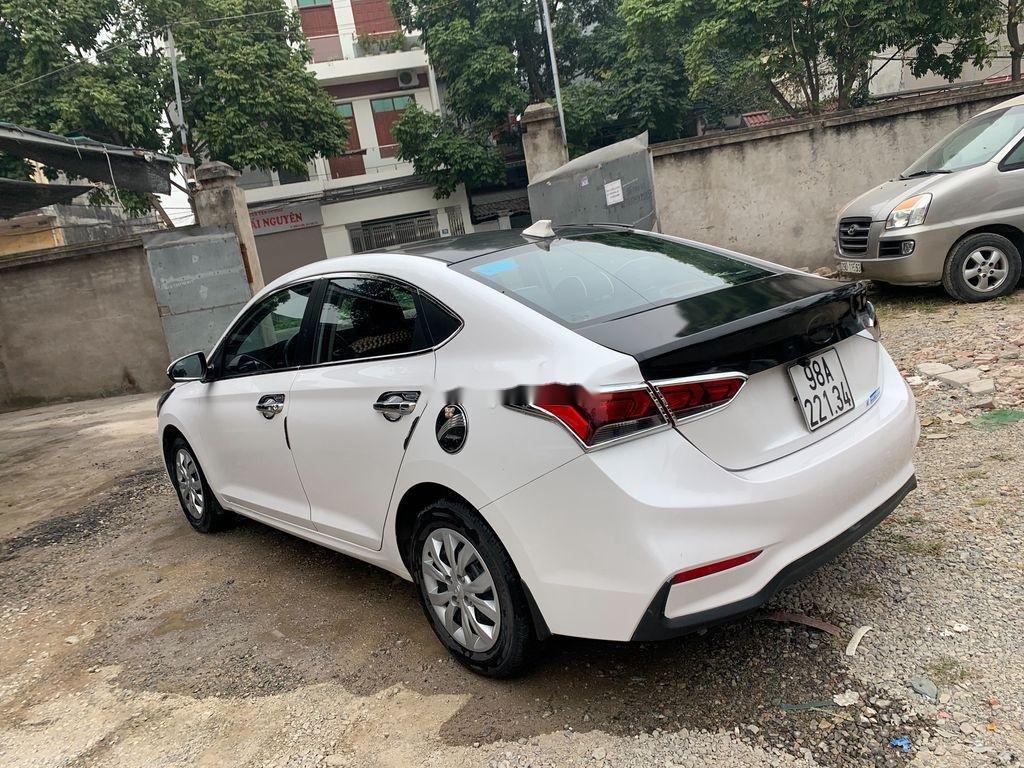 Bán Hyundai Accent sản xuất 2019, màu trắng (4)