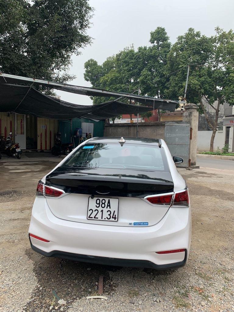 Bán Hyundai Accent sản xuất 2019, màu trắng (2)