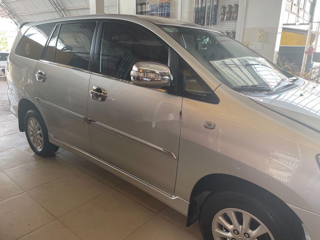 Cần bán xe Toyota Innova sản xuất 2008, giá thấp (9)