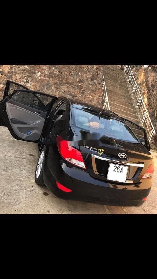 Cần bán gấp Hyundai Accent đời 2015, màu đen, nhập khẩu nguyên chiếc, 390tr (1)