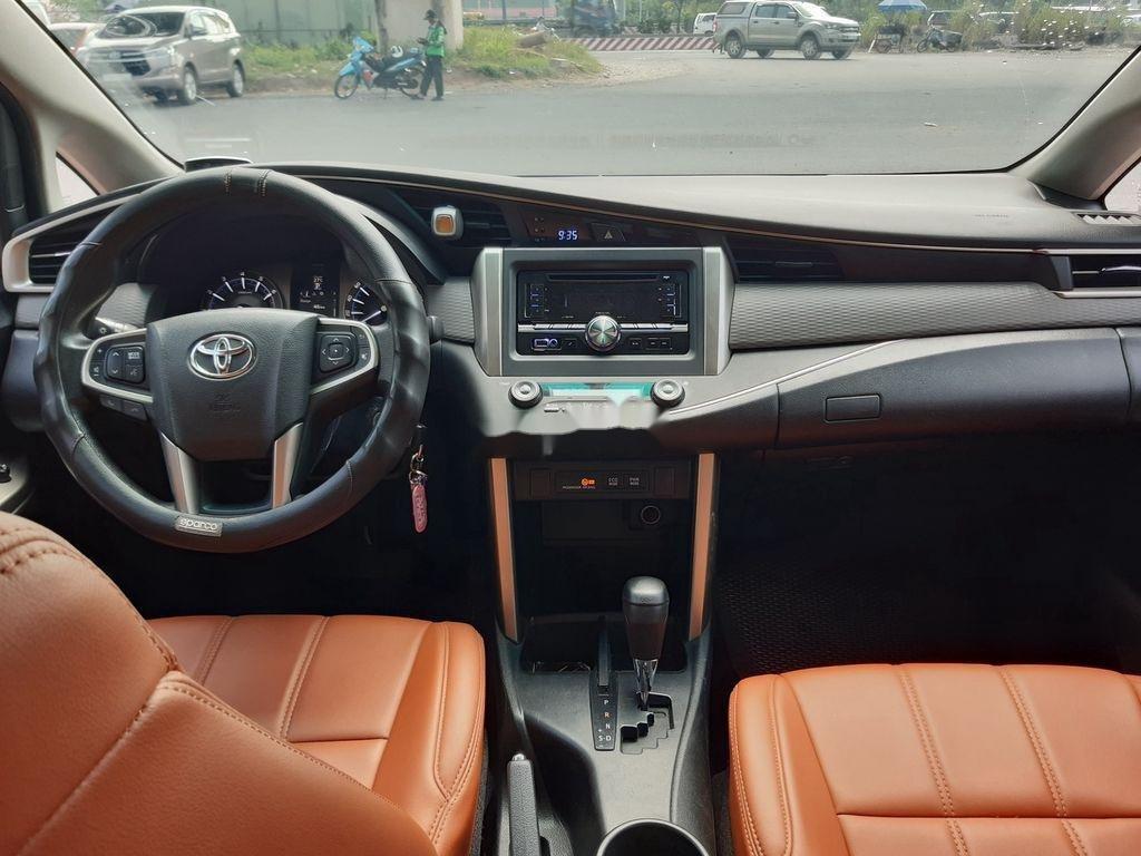Cần bán gấp Toyota Innova G năm 2017, giá thấp, chính chủ sử dụng (8)