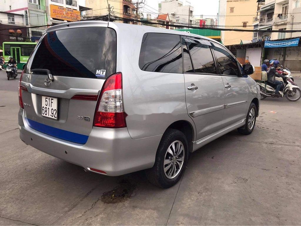 Cần bán Toyota Innova sản xuất năm 2016, màu bạc  (4)
