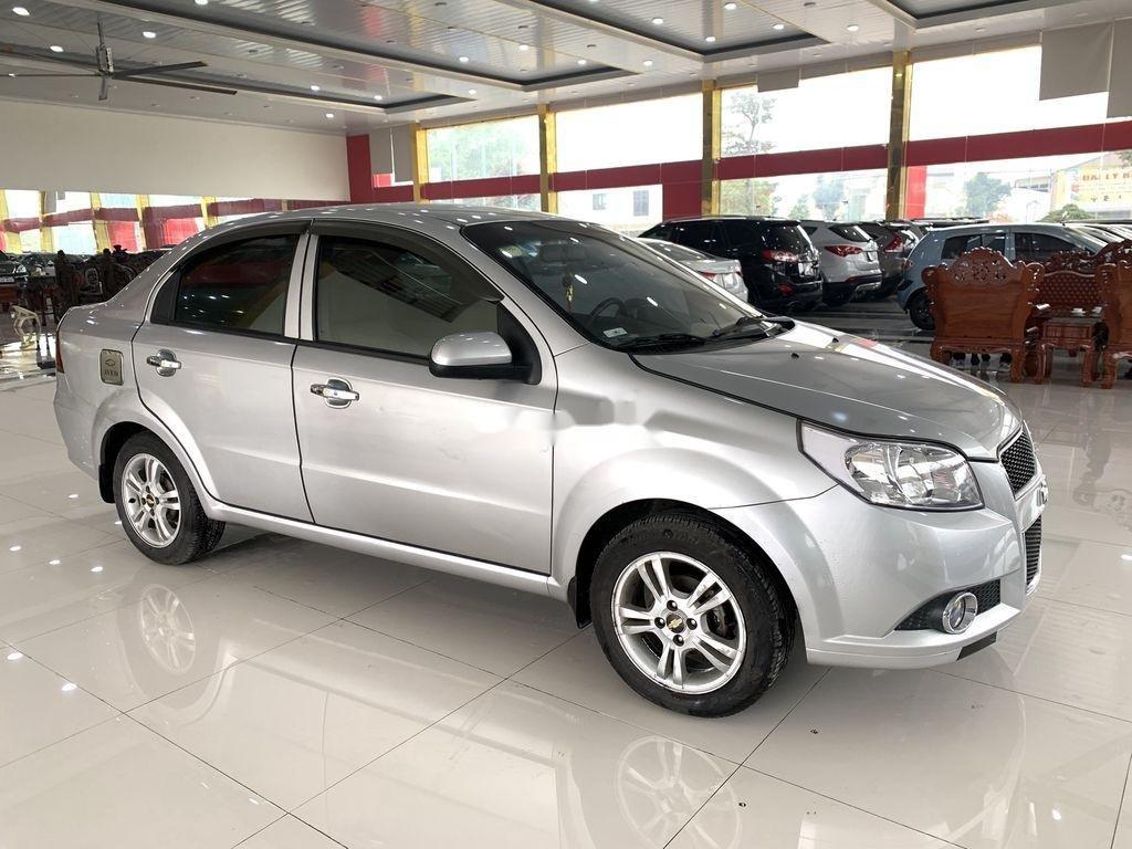Cần bán xe Chevrolet Aveo 2014, màu bạc chính chủ, giá 235tr (4)