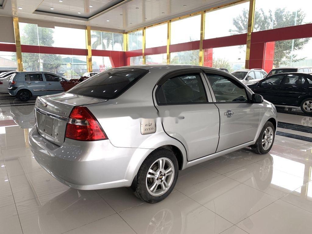Cần bán xe Chevrolet Aveo 2014, màu bạc chính chủ, giá 235tr (6)