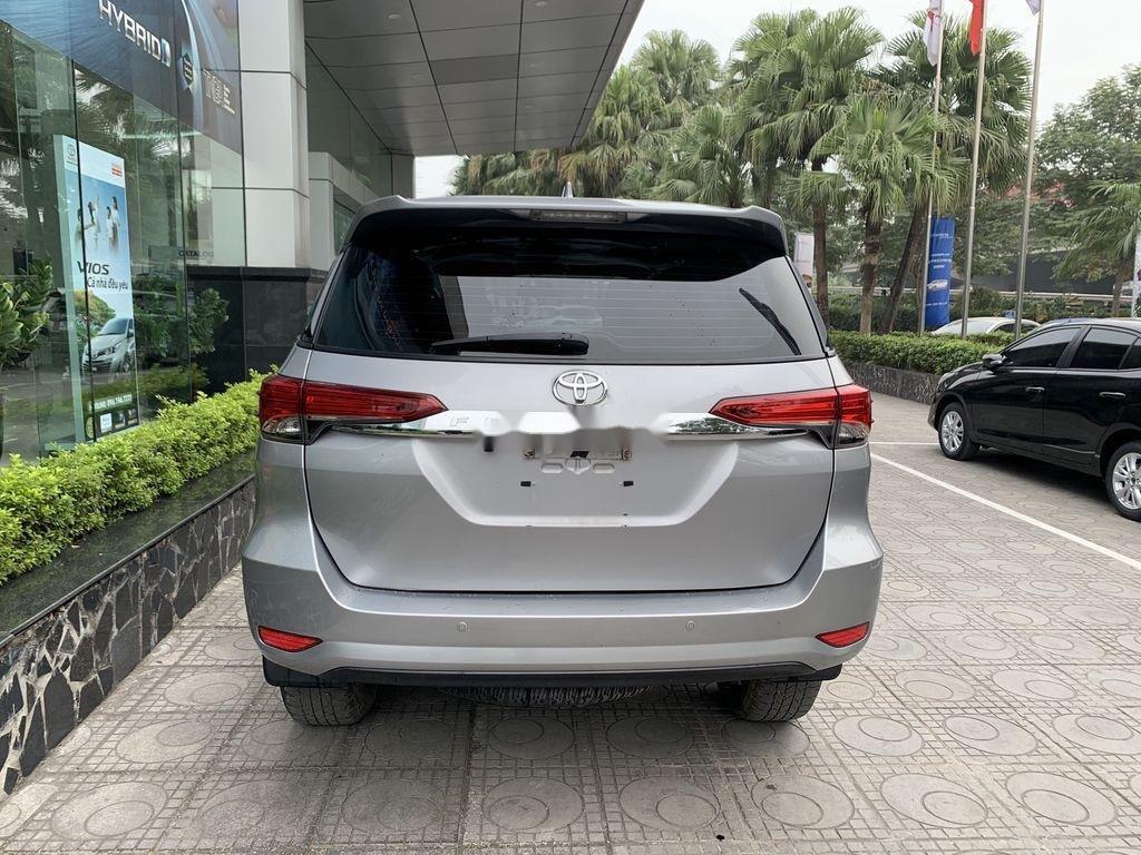 Cần bán gấp Toyota Fortuner đời 2019, màu bạc  (3)
