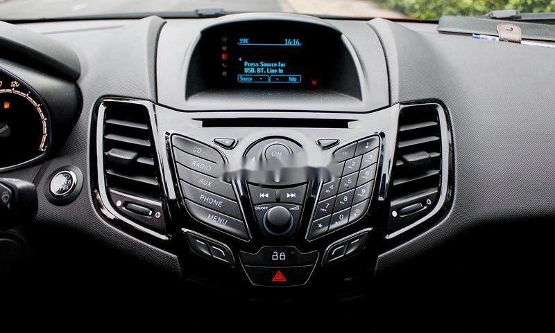 Bán Ford Fiesta năm sản xuất 2014, màu trắng  (4)