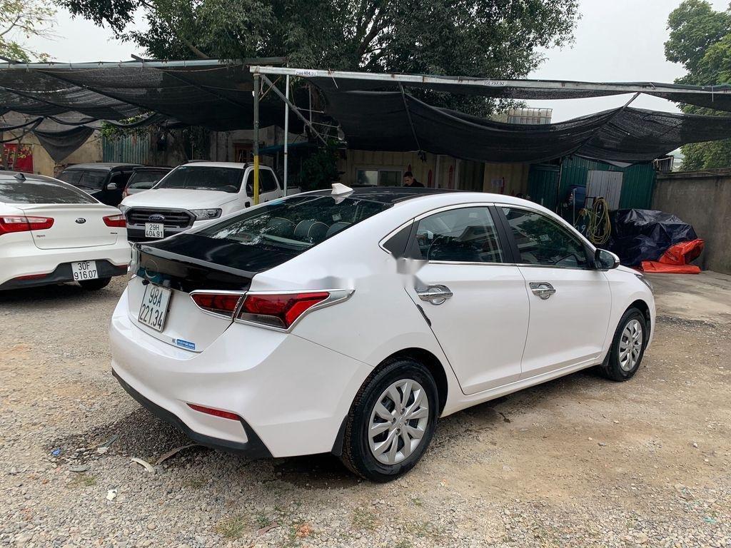Bán Hyundai Accent sản xuất 2019, màu trắng (6)