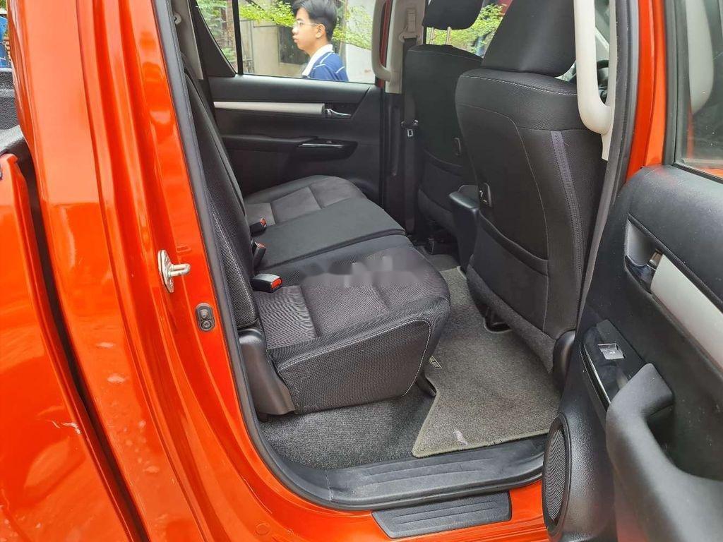 Bán Toyota Hilux năm 2016, nhập khẩu, màu cam (12)