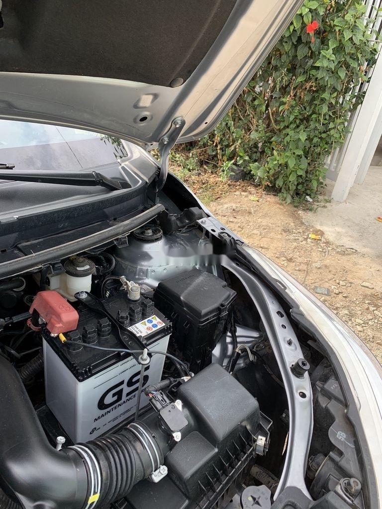 Bán xe Toyota Vios sản xuất năm 2019, xe chính chủ giá ưu đãi (12)