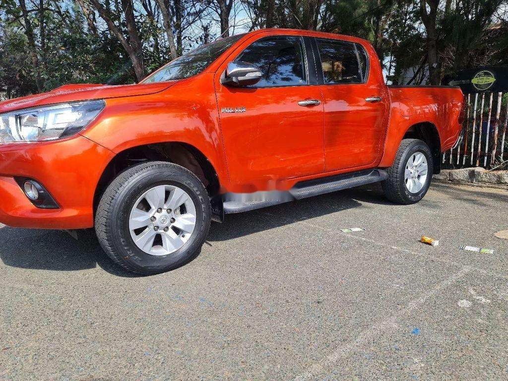 Bán Toyota Hilux năm 2016, nhập khẩu, màu cam (3)