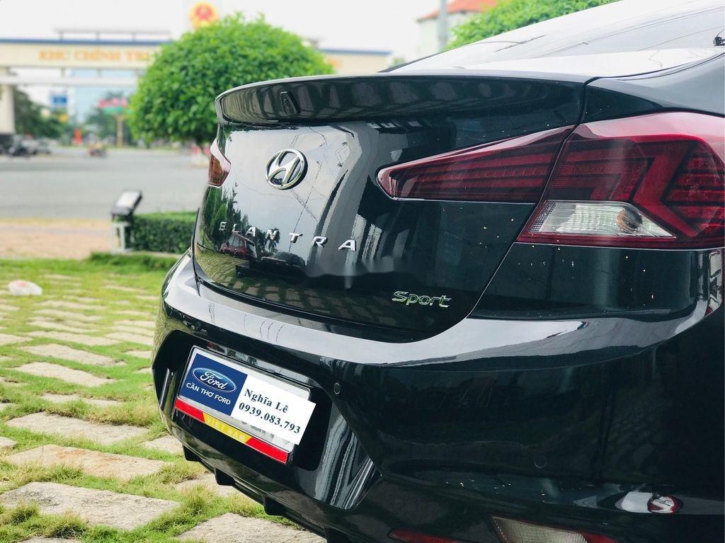 Cần bán lại xe Hyundai Elantra năm 2019, màu đen còn mới, 699tr (4)