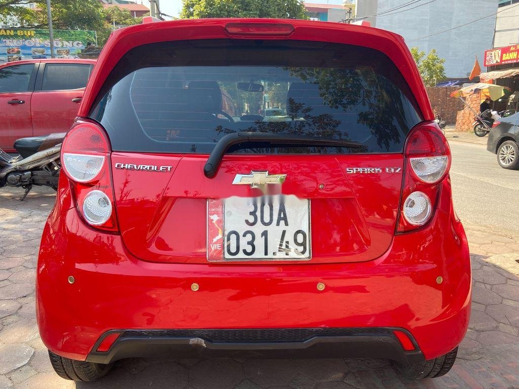 Cần bán lại xe Chevrolet Spark đời 2013, màu đỏ  (2)