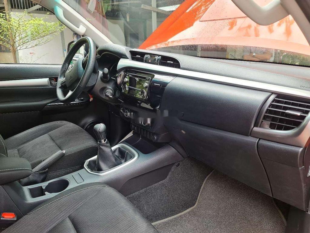 Bán Toyota Hilux năm 2016, nhập khẩu, màu cam (11)