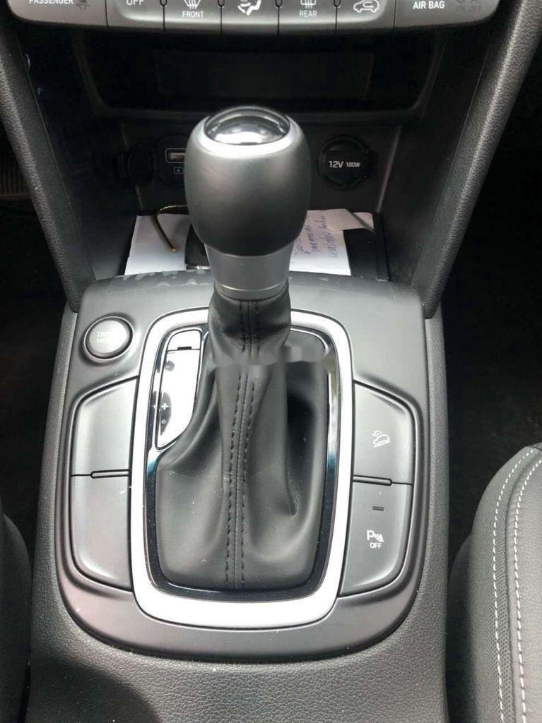 Bán Hyundai Kona đời 2020, màu trắng chính chủ (7)