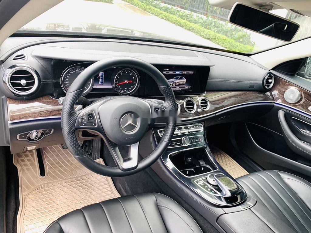 Cần bán Mercedes E250 năm sản xuất 2016, màu đen  (12)