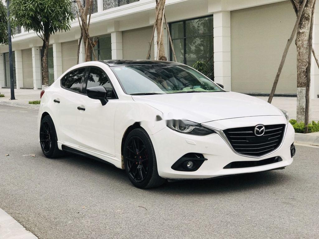 Bán Mazda 3 năm 2016, màu trắng, giá tốt (5)