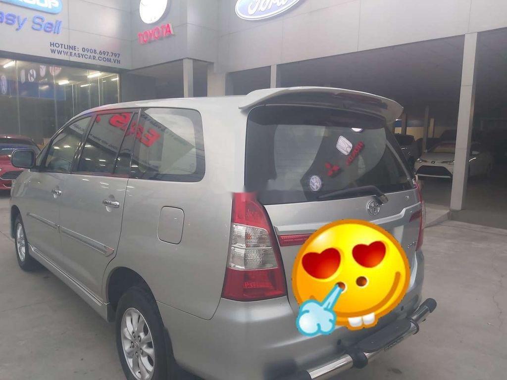 Cần bán xe Toyota Innova đời 2015, màu bạc chính chủ, giá tốt (3)