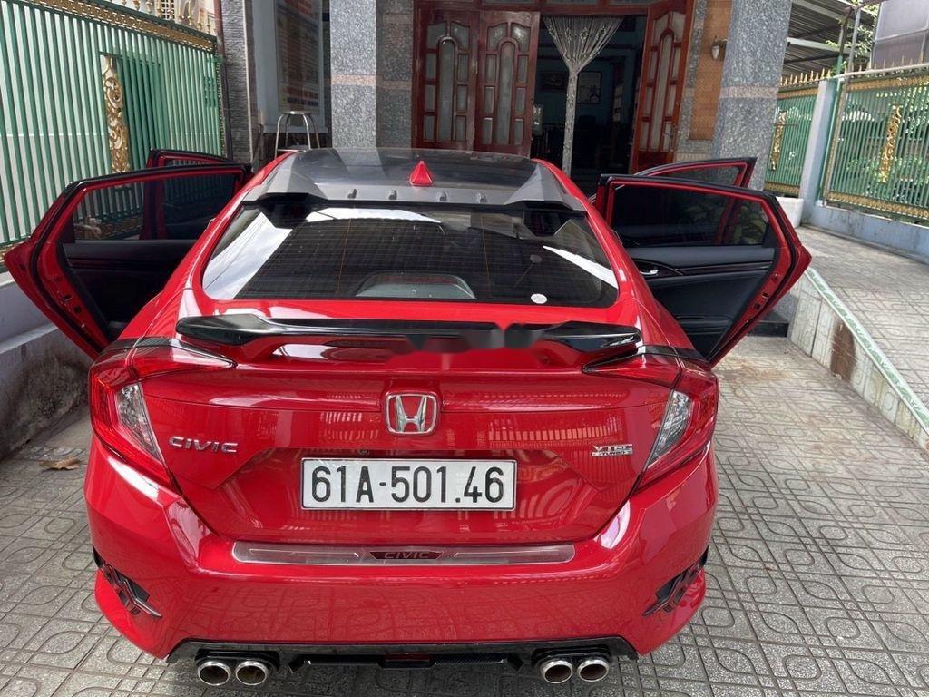 Cần bán gấp Honda Civic sản xuất năm 2018, nhập khẩu (1)