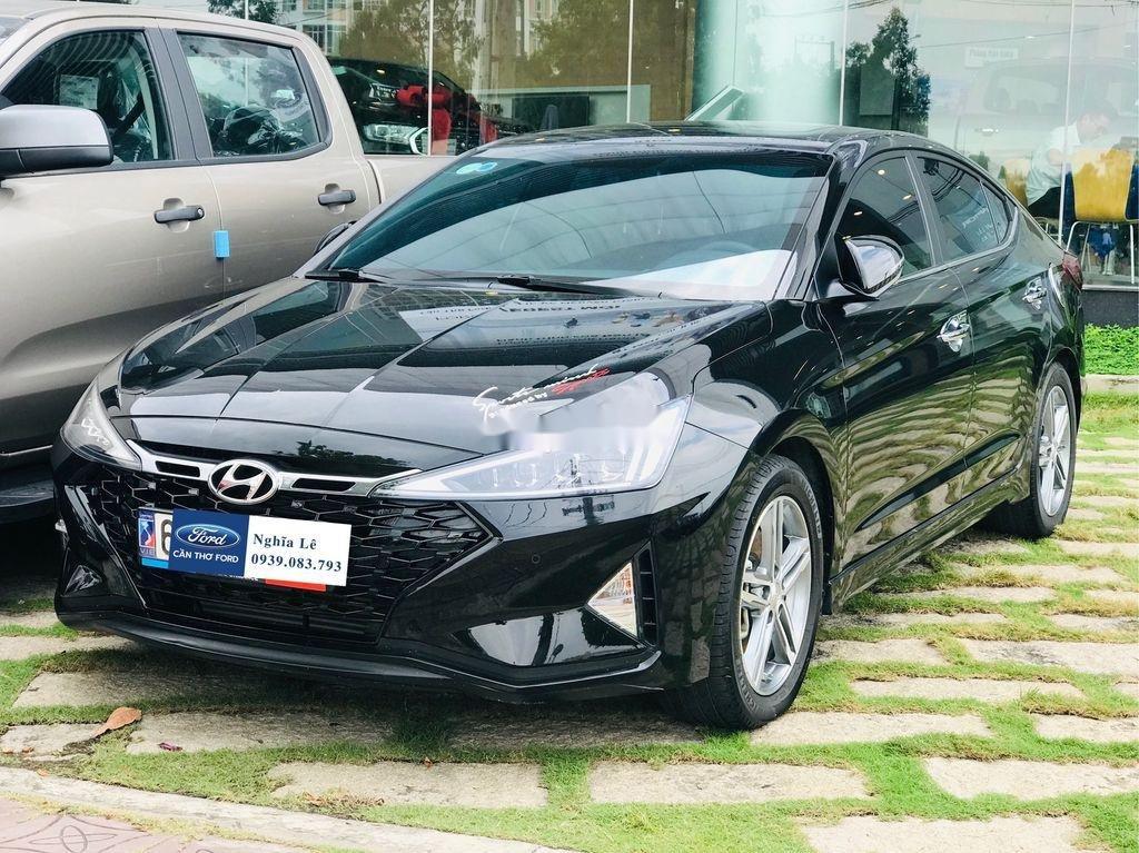 Cần bán lại xe Hyundai Elantra năm 2019, màu đen còn mới, 699tr (2)