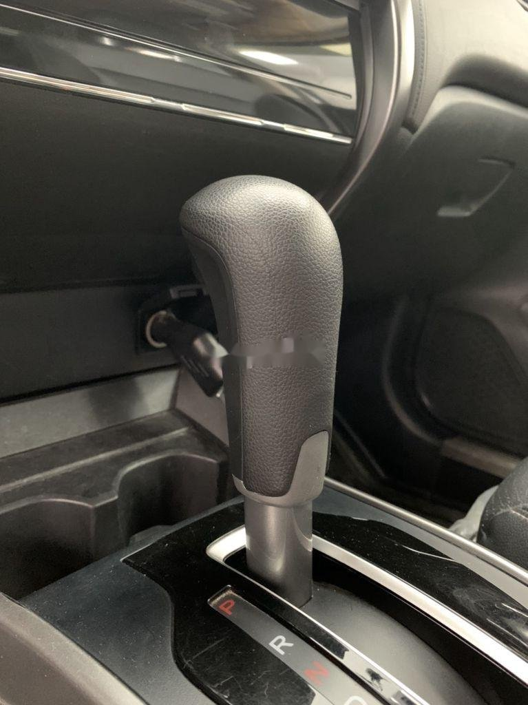 Xe Honda City năm 2019, màu trắng chính chủ (4)