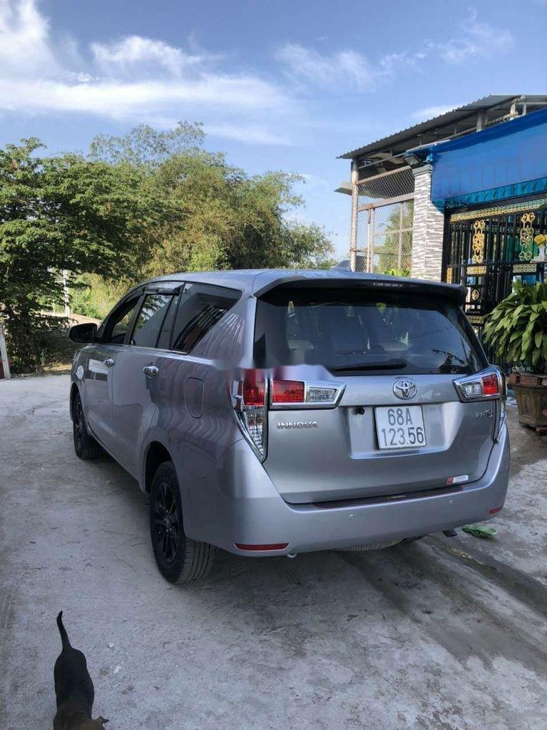 Bán Toyota Innova sản xuất năm 2019 còn mới (6)
