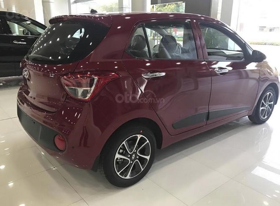 Bán Hyundai Grand i10 1.2 AT năm sản xuất 2020, màu đỏ (2)