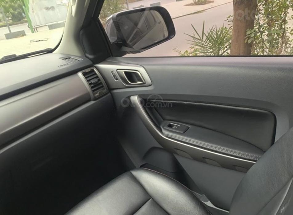 Cần bán gấp Ford Ranger XLT 2.2L 4x4 MT sản xuất năm 2016, màu xám, nhập khẩu (2)