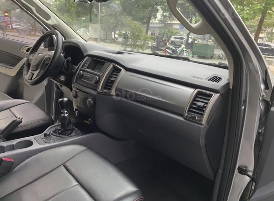 Cần bán gấp Ford Ranger XLT 2.2L 4x4 MT sản xuất năm 2016, màu xám, nhập khẩu (3)