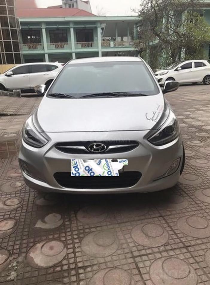 Bán Hyundai Accent 1.4 AT sản xuất năm 2014, màu bạc, nhập khẩu nguyên chiếc (1)