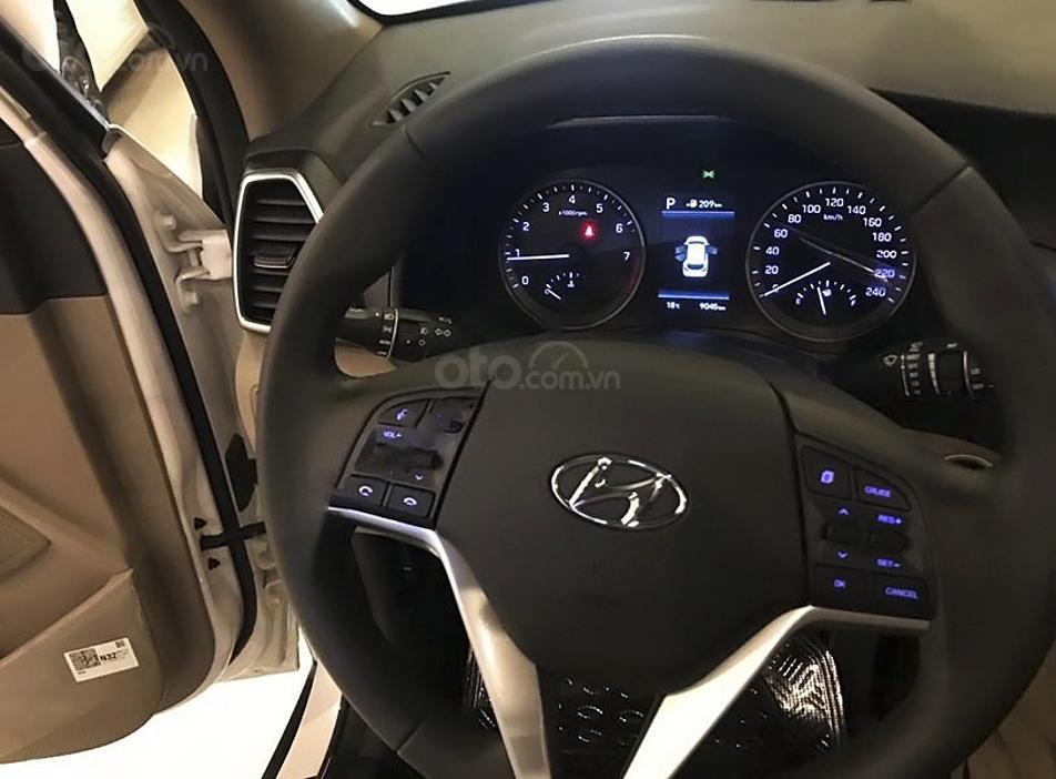 Bán ô tô Hyundai Tucson sản xuất 2019, màu trắng còn mới giá cạnh tranh (4)